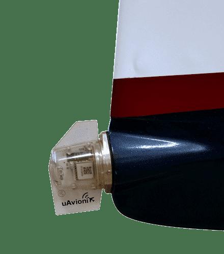 RV4-tailBeacon-440x500